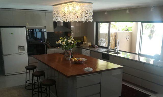 Kitchen in Marina Da Gama